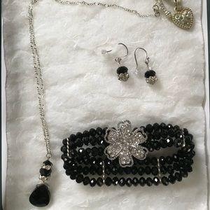 Jewelry - ✨BOGO: Handmade black bead & rhinestone jewelry✨